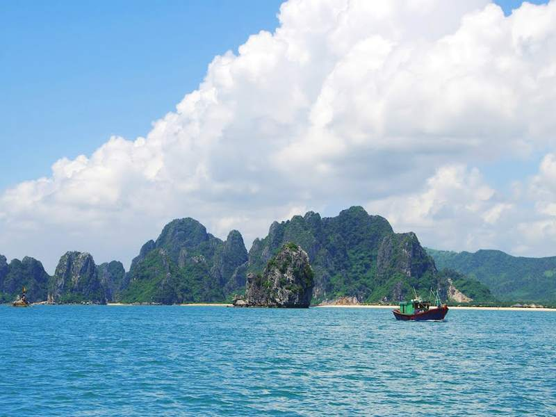 Bai Tu Long Bay Travel Guides